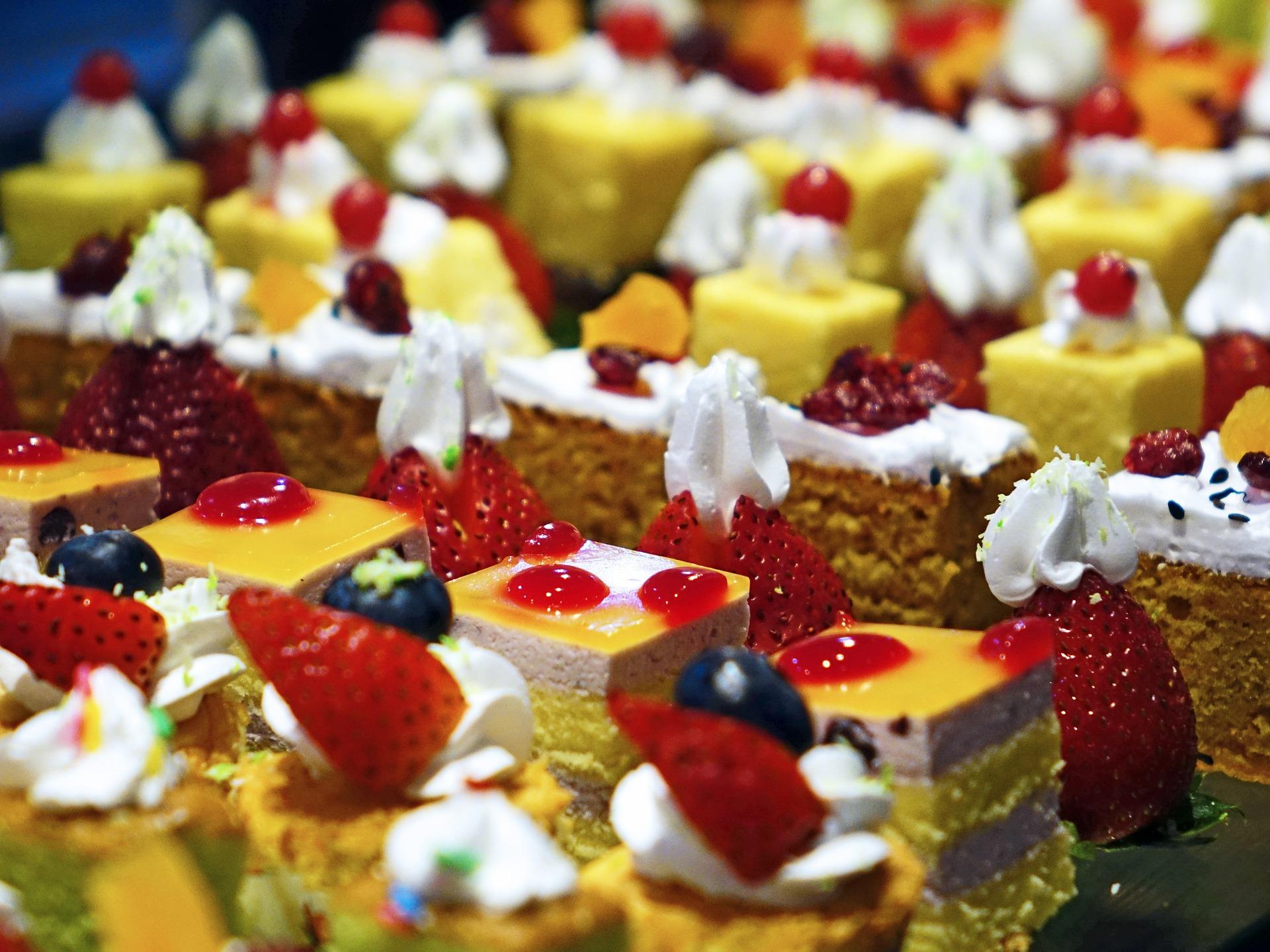 cakes-489849_1920